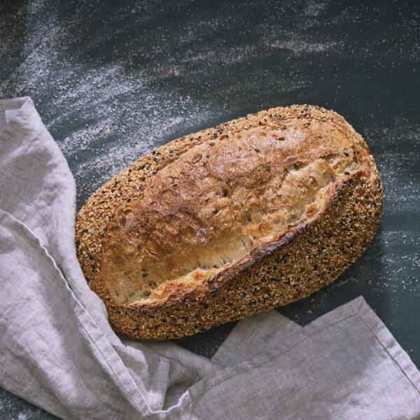 לחם לבן עם גרעינים