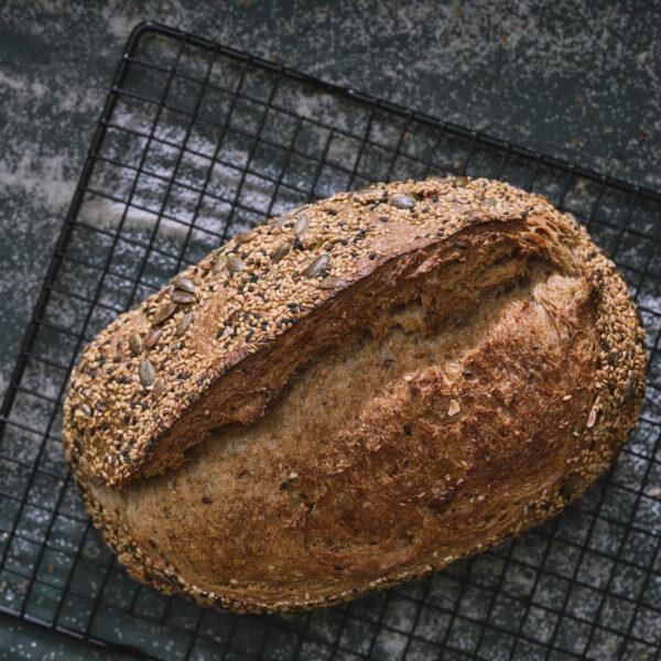 לחם שיפון מלא גרעינים (לחם הבית)