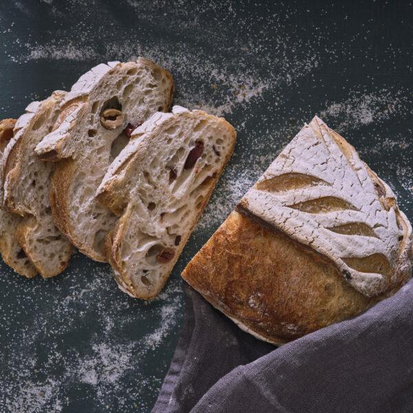 לחם זיתים יווני